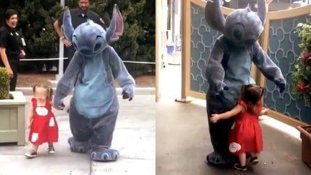 Disneyland ha una nuova principessa: si chiama Emily ed è la più piccola mascotte del parco