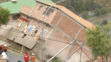 La Paz, frana inghiotte le case: le immagini choc