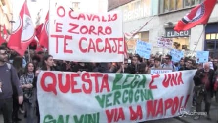Salvini a Napoli, striscioni e cortei contro il Ministro dell'Interno