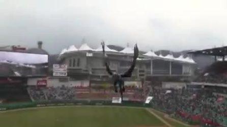 Un drago vola sullo stadio: il video per l'inizio del campionato sulla scia del Trono di Spade