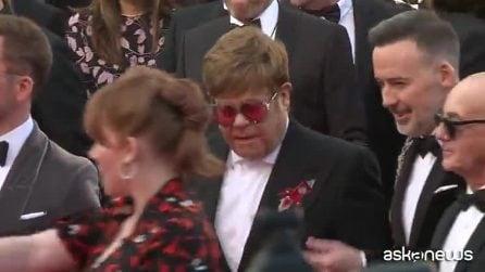 """Elton John sul red carpet di Cannes alla première di """"Rocketman"""", il biopic sulla sua vita"""