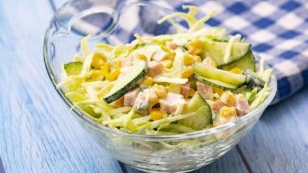 Insalata di cavolo cappuccio: l'alternativa alla solita lattuga, più croccante e saporita!
