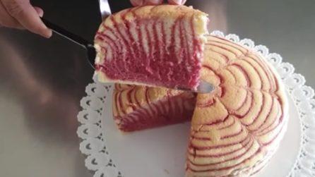 Cheesecake zebrata alle fragole: soffice, bella e buonissima