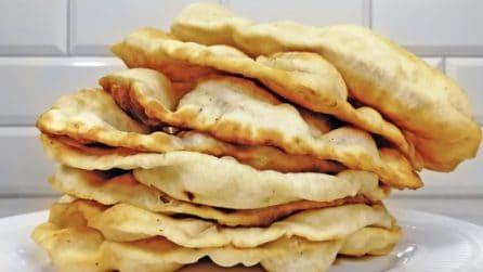 Pane fritto in padella: fragrante e delizioso, ideale da farcire