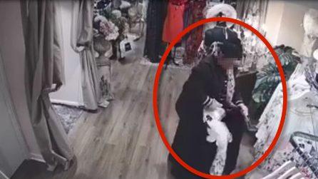 Donna entra in una boutique di lusso: le telecamere la inchiodano