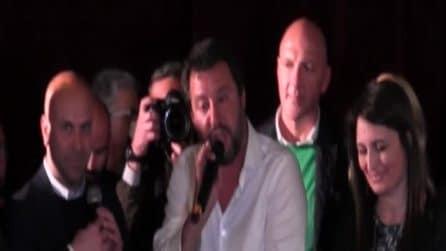 Salvini ad Aversa: standing ovation e contestazioni