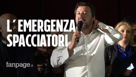 """Salvini:""""Bisogna arrestare gli spacciatori fuori le scuole"""". Dopo il comizio fa cacciare i giornalisti"""