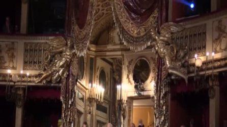 Sparatoria Napoli, il lungo applauso di Mattarella per la bimba ferita