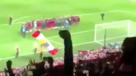 """You'll never walk alone"": l'emozionante coro dopo la vittoria del Liverpool"
