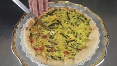 Torta rustica con asparagi e formaggio: ideale per una serata con gli amici