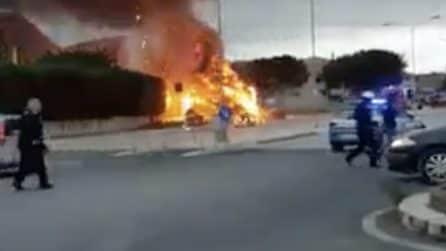 Avola, esplosione in strada: un boato dopo l'incendio