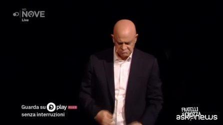 """Maurizio Crozza canta """"Bella ciao"""" (a modo suo)"""