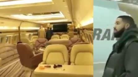 Il Boeing di Drake lascia senza fiato: il tour di super lusso all'interno
