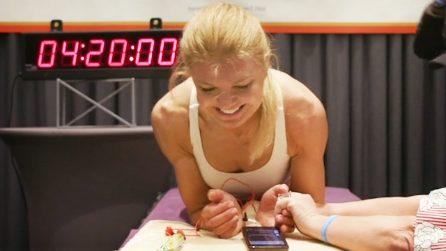 Atleta canadese batte il record di plank femminile con un tempo pazzesco di 4 ore e 20 minuti