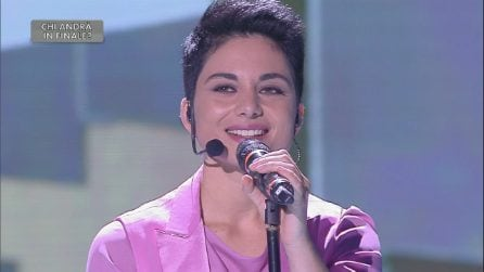 Amici 2019: Giordana Angi canta 'Una lunga storia d'amore', Loredana Bertè litiga con Rudy Zerbi