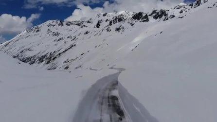 Oltre 10 metri di neve: la primavera sul passo del Rombo