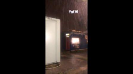Fulmine si abbatte sulla Casa del GF 16, salta la diretta