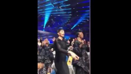 """Mahmood conquista tutti all'Eurovision: nel dietro le quinte tutti cantano la sua """"Soldi"""""""