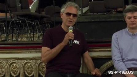 Bocelli a una ragazza di Scampia: spero di cantare presto con te