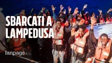I migranti della Sea Watch sbarcati a Lampedusa: ecco cosa c'è da sapere sul caso