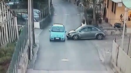 Scontro tra due auto a Castellammare: ferite due donne, una è grave