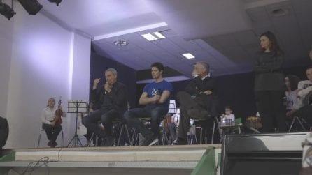"""Roberto Bolle ai ragazzi di Forcella: """"Non credete al successo facile"""""""