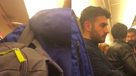 Acquista un biglietto per Cagliari ma si ritrova a Bari: il passeggero Ryanair dà in escandescenze