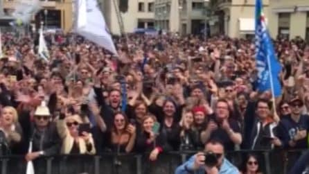 """Lecce, contestazioni per Salvini: i manifestanti cantano """"Bella Ciao"""""""