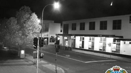 """""""Come Armageddon"""". Le telecamere catturano cosa accade in questa città di notte"""