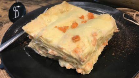 Lasagna al salmone su crema di besciamella: l'alternativa irresistibile