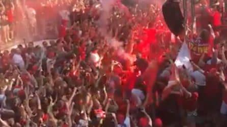 """I tifosi del Liverpool a Madrid: il coro inglese di """"Un giorno all'improvviso"""""""