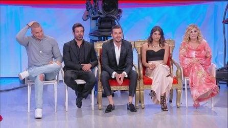"""Uomini e Donne, lo scherzo di Maria De Filippi a Tina Cipollari: """"Oggi c'è Gemma Galgani"""""""