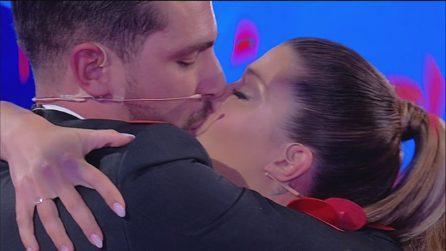 Uomini e Donne, Andrea Zelletta sceglie Natalia Paragoni che dice sì