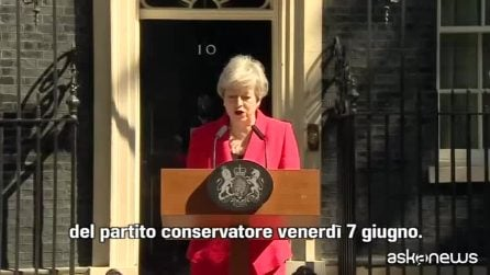 Theresa May annuncia le dimissioni per il 7 giugno