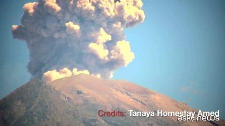 Bali, il vulcano Agung di nuovo in eruzione