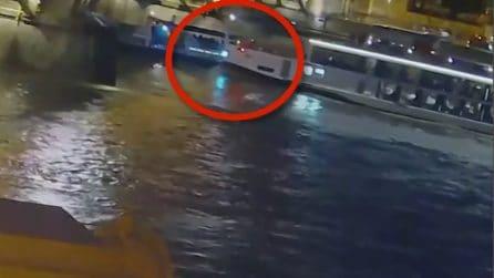 Budapest, affonda un'imbarcazione nel Danubio: almeno 7 morti e 21 dispersi