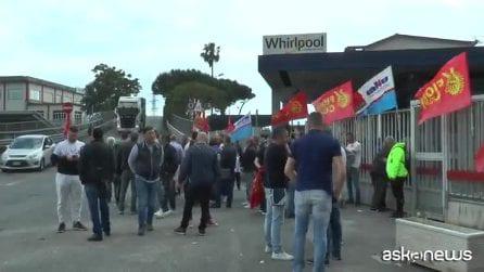 Whirlpool chiude stabilimento Napoli, 420 lavoratori a rischio