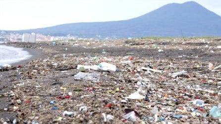 Allarme Sarno, cadmio e cocaina nel fiume più inquinato d'Europa. Il video shock di Greenpeace