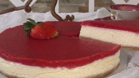 Cheesecake alle fragole: cremosa, semplice e squisita