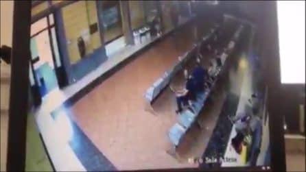 Policlinico Umberto I: massacra di botte un portantino e si dà alla fuga