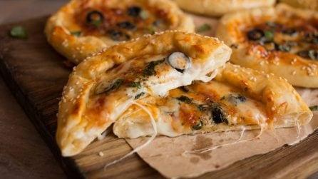 Pizzette con il cornicione ripieno: facili da preparare, buone e morbide!