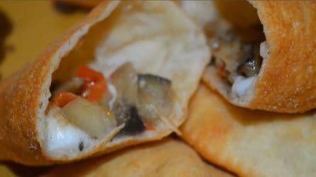 Panzerotti ripieni di melanzane: il secondo irresistibile, uno tira l'altro