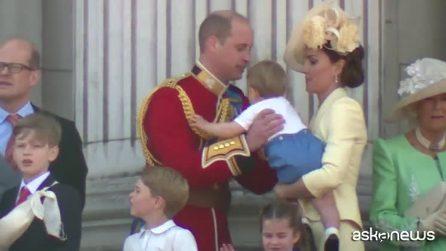 La famiglia reale al completo sul balcone di Buckingham Palace