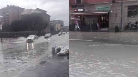 Nubifragio a Milano, strade e sottopassi completamente allagati