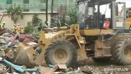 Cambogia, crolla palazzo di sette piani, almeno tre morti