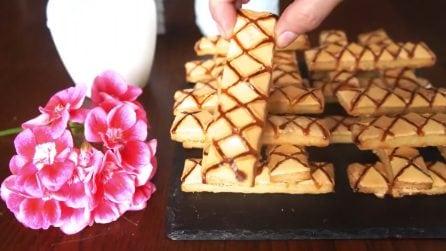 Sfogliatine glassate: dolci snack di pasta sfoglia, uno tira l'altro