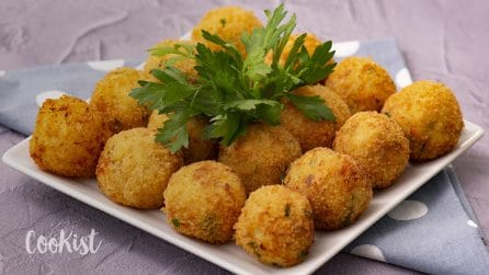 Potato and salmon balls: this recipe may be some of the best things you've eaten in awhile!