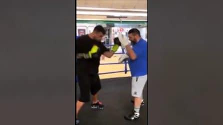 L'attaccante di serie A che si allena sul ring: Petagna insieme all'ex pugile Terlizzi