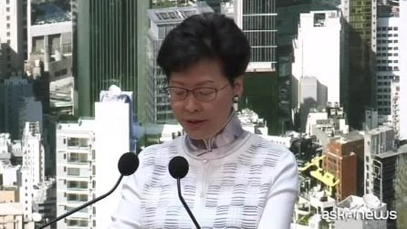 Hong Kong sospende la legge sulle estradizioni in Cina
