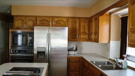 Trasforma la cucina con le sue mani: in poco tempo è come nuova